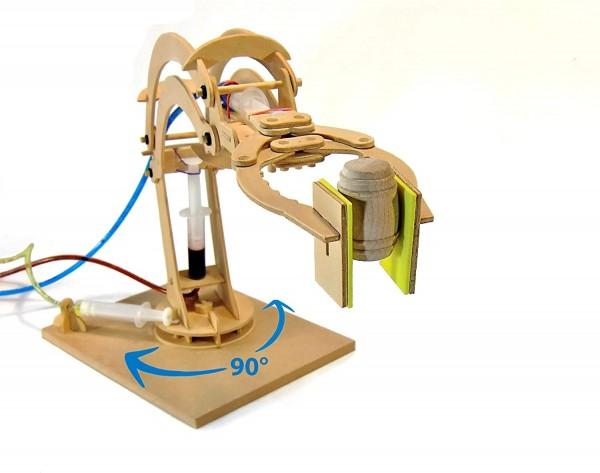 Hydralischer Roboterarm aus Holz